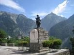 WW II Memorial with spectacular mountain backdrop